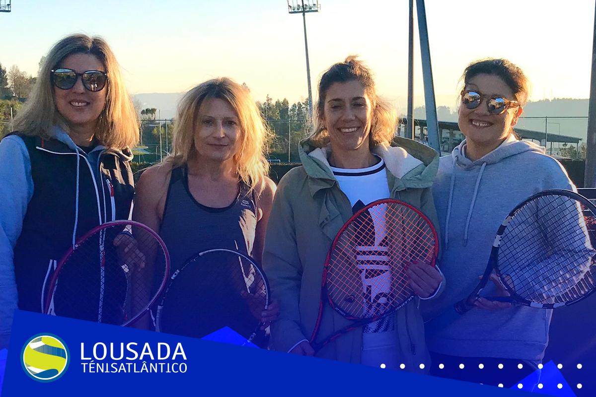 https://tenislousada.com/wp-content/uploads/2020/01/Moldura_fotos_site.png