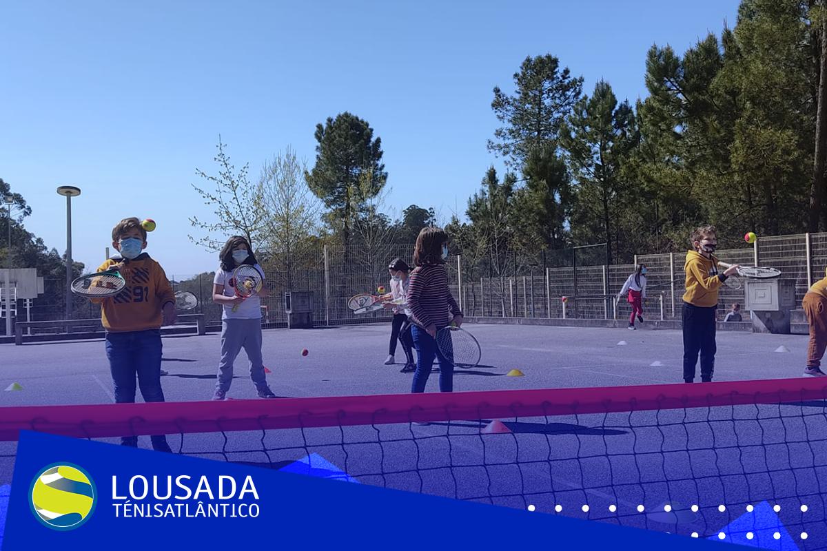 https://tenislousada.com/wp-content/uploads/2021/03/Moldura_fotos_site-1.png